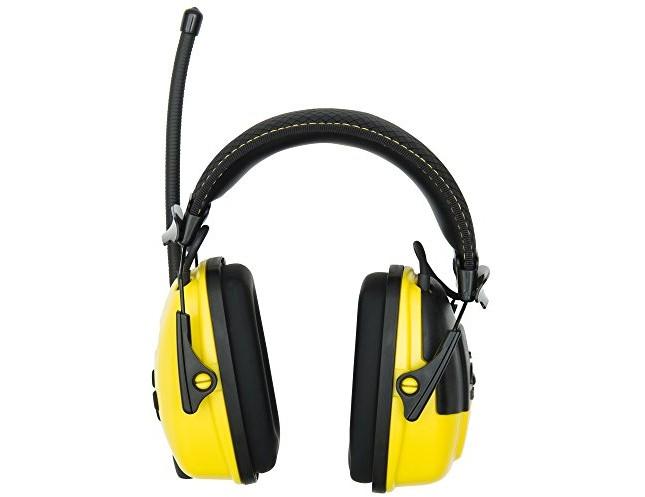 Stanley Sync Digital AM/FM/MP3 Radio Earmuff (RST-63012) $38.49 (reg. $57.78)